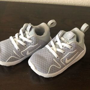 Nike Sneakers size 6C Grey/White